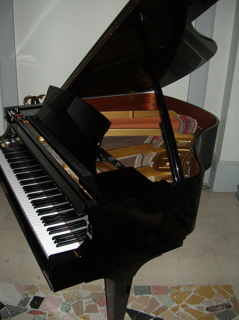 Accord piano nice location concert cote azur vente piano a queue steinway boston